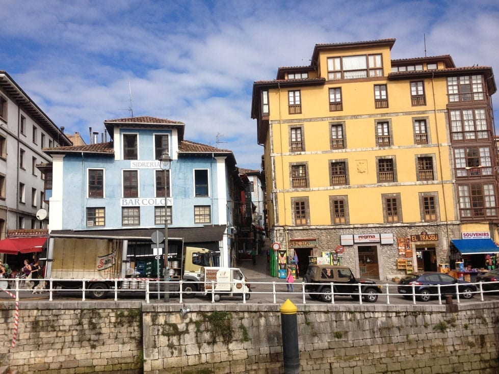 Buildings in Llanes