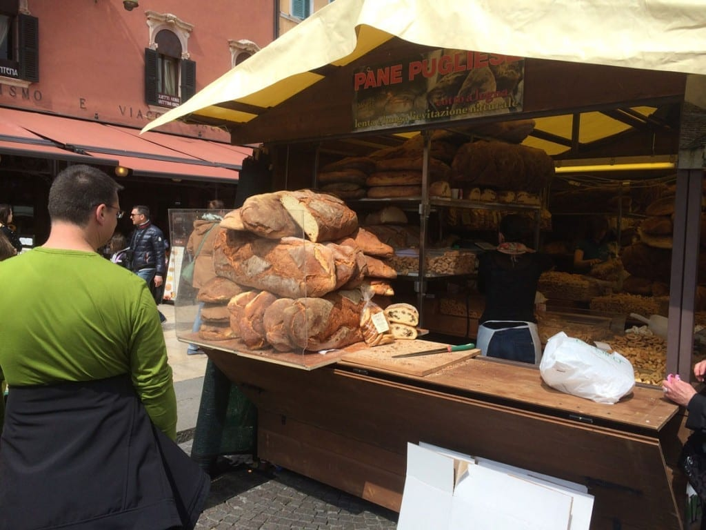 Bread-on-Verona-Market