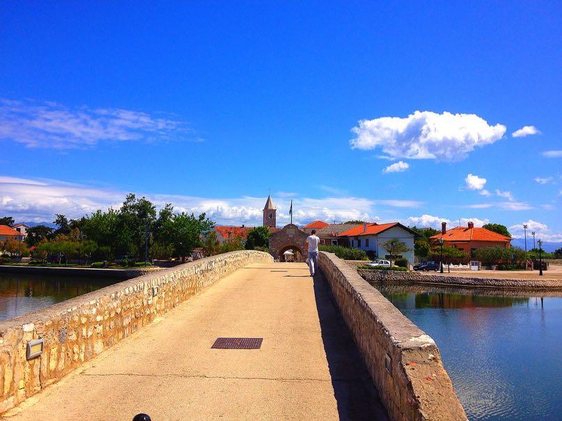 Medieval Bridge, Nin