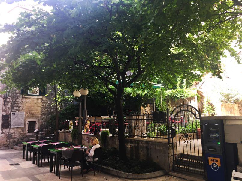Garden Restaurant, Omis