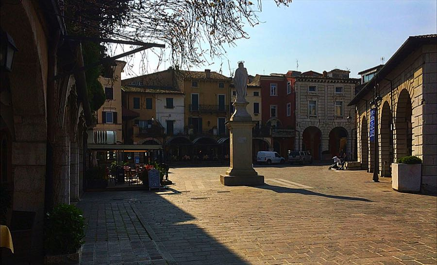 Desenzano Square