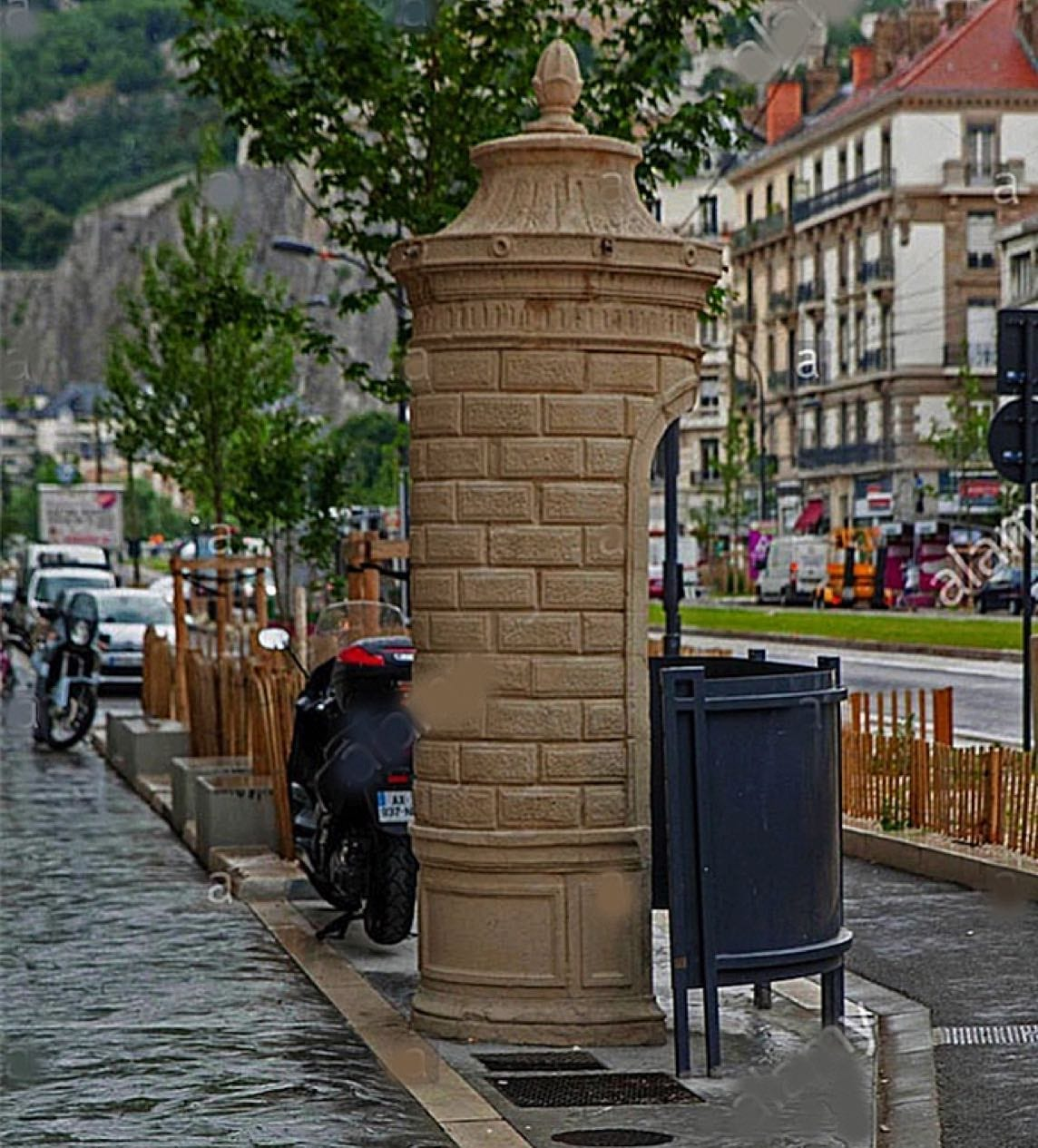 Grenoble Urinals