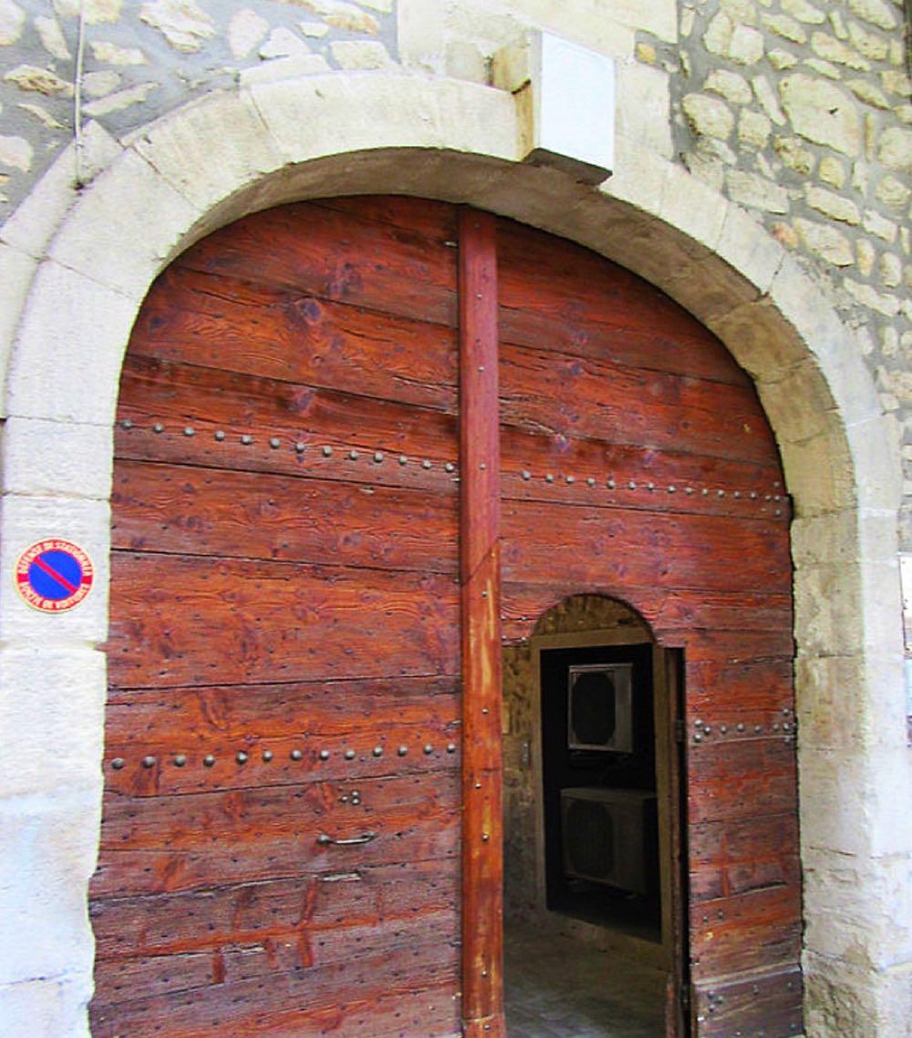 Saint Remy entrance doors
