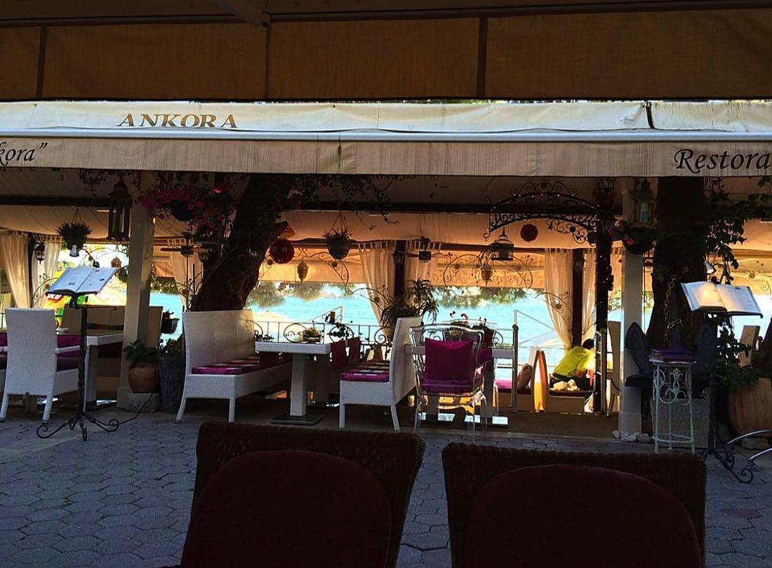 Restaurant-on-Makarska-Promenade