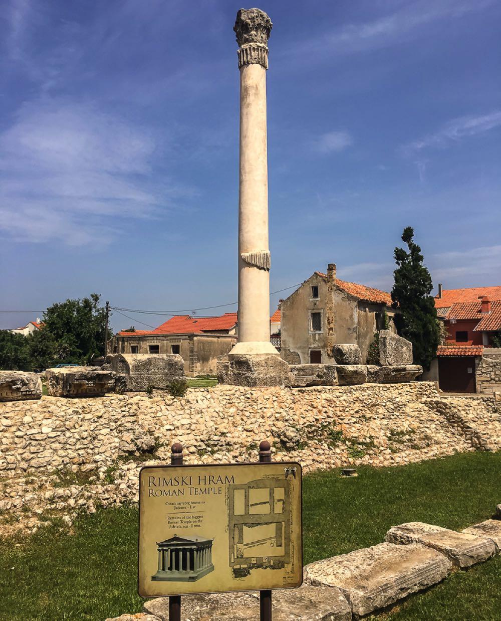 Rimski-Hram–Roman Temple-Nin